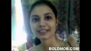Sexy Indian Girl Ke Chut Ki Seal Phati