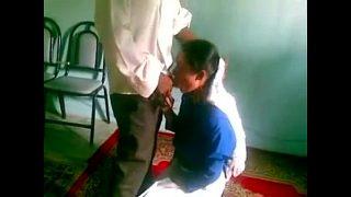 Desi Maid Se Chudai Khel
