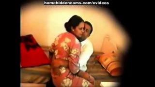 Hidden cam mein bhabhi ki chudai pakdi gayi