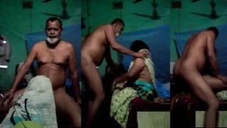 मुस्लिम अंकल का लंड चूसा और टाँगे उठा के चुदी लोकल रंडी