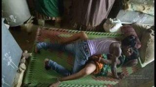 चुदाई करते पकड़े गए कपल्स का कंपाइलेशन – देसी पोर्न वीडियो