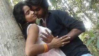 भोजपुरिया सेक्सी फिल्म का उत्तेजक लाइव सीन – हॉट हिंदी बीएफ